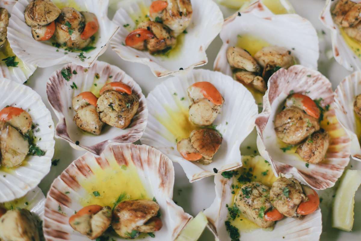 Seafood scallops wedding breakfast at Prussia Cove, Cornwall by Love Oh Love Photography